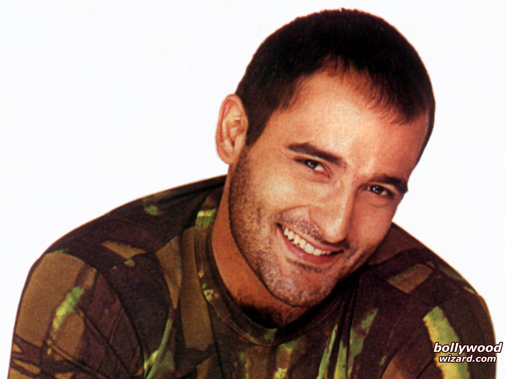 akshaye khanna family photos
