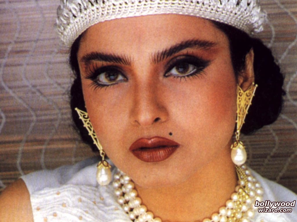 bollywoodwizard   wallpaper picture of rekha