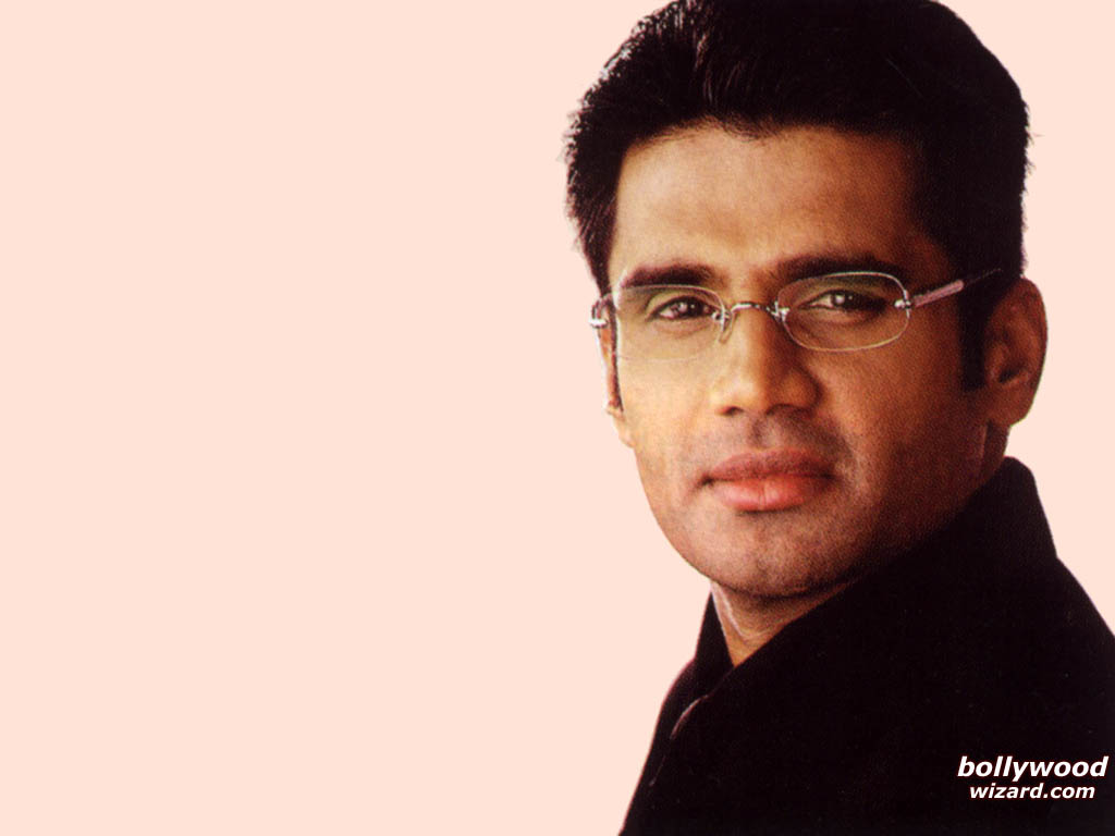 BollywoodWizard.com : Wallpaper / Picture of Sunil Shetty